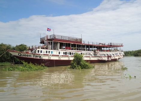 On the Tonle Sap Queen Tara Day Tour