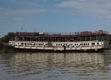 On the Tonle Sap Great Lake Queen Tara Day Tour